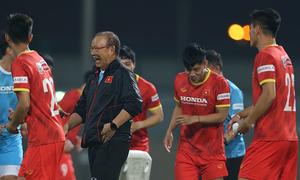 HLV Park Hang-seo 'chơi xỏ' Nguyễn Tiến Linh