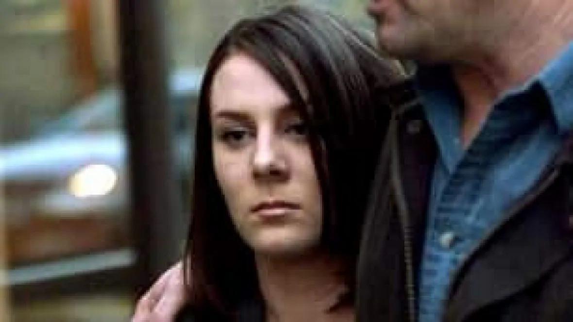 Kelly, hung thủ gây ra vụ án mạng ra tòa năm 2005. Ảnh: Canadian Press.