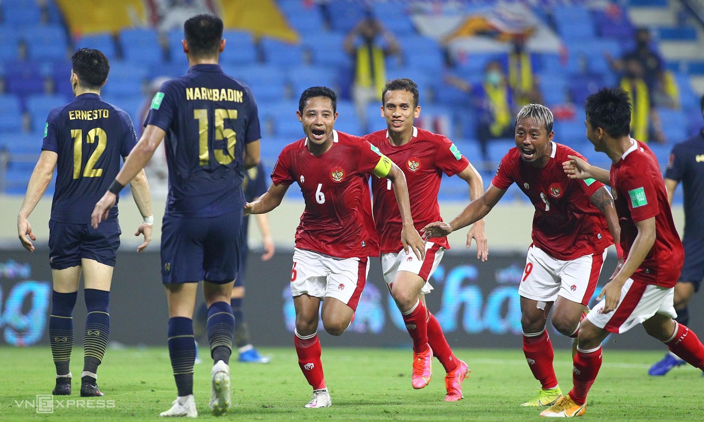 Hàng thủ là điểm yếu lớn nhất khiến Thái Lan để vuột chiến thắng trước Indonesia, dù hai lần dẫn bàn. Ảnh: Lâm Thoả