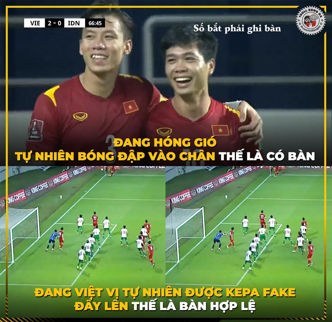 Tình huống dẫn đến bàn thắng thứ 3 của ĐTVN.