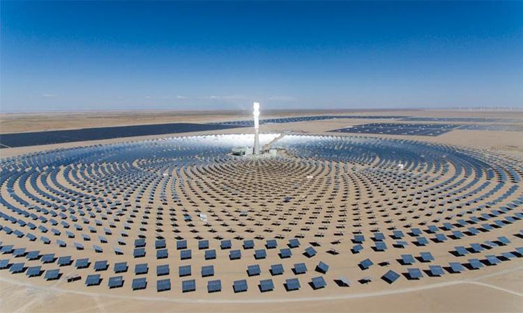 Cerro Dominado là nhà máy nhiệt điện mặt trời đầu tiên ở Mỹ Latin. Ảnh: Cerro Dominador/Twitter.