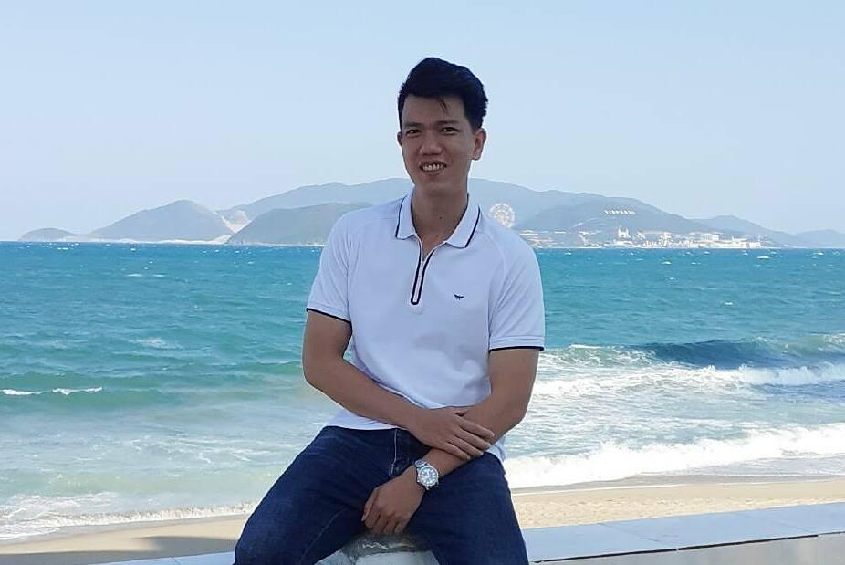 Trương Quang Vinh, Kỹ sư R&D (kỹ sư nghiên cứu và phát triển) học công nghệ thông tin trực tuyến để nâng cao kiến thức, ứng dụng cho công việc chuyển đổi số tại công ty.