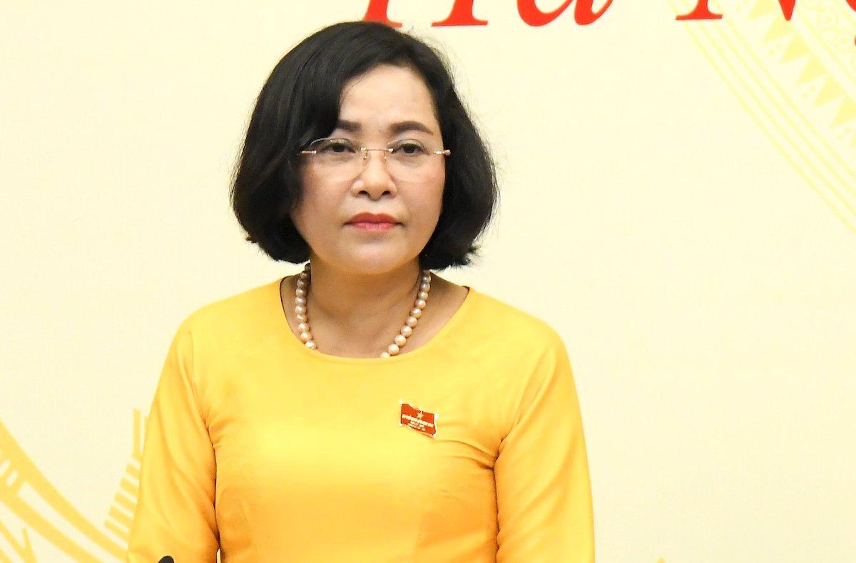 Bà Nguyễn Thị Thanh, trưởng Ban Công tác đại biểu (Ủy ban Thường vụ Quốc hội) trả lời báo chí chiều 10/6. Ảnh: Hoàng Phong