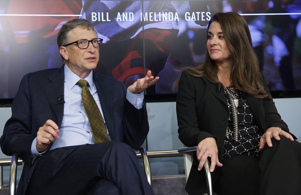Bill Gates và Melinda Gates tham gia một cuộc thảo luận về Mục tiêu phát triển bền vừng tại Brussels, hồi tháng 1/2015. Ảnh: Reuters.