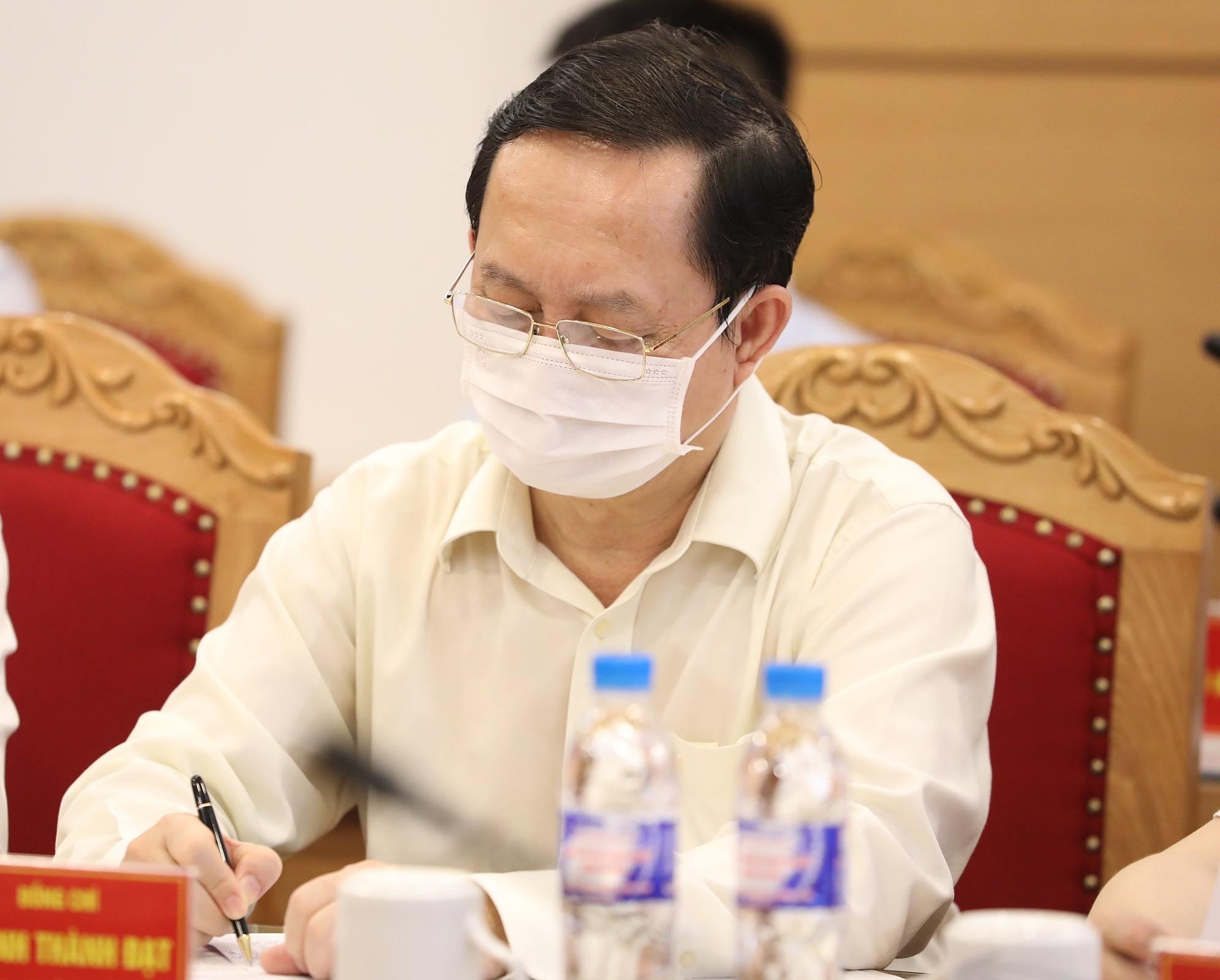 Bộ trưởng Huỳnh Thành Đạt tại buổi làm việc. Ảnh: Ngọc Thành.