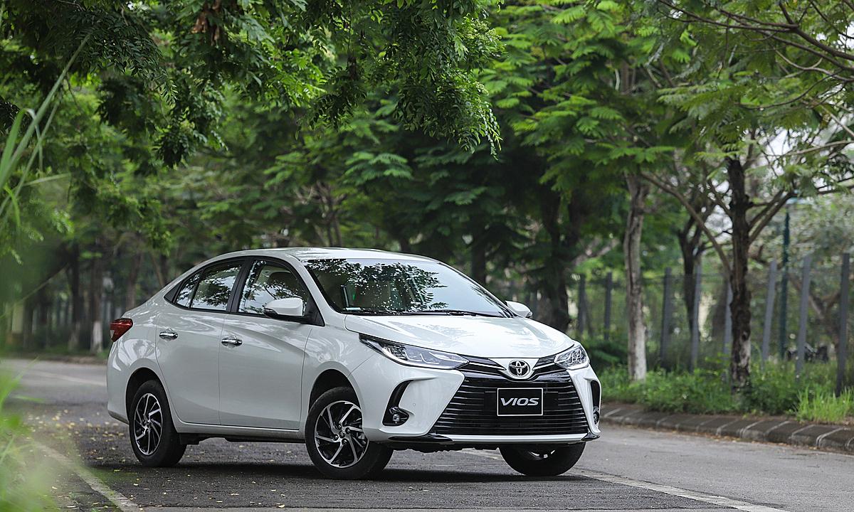 Một mẫu Toyota Vios lăn bánh tại Hà Nội. Ảnh: Ảnh: Lương Dũng