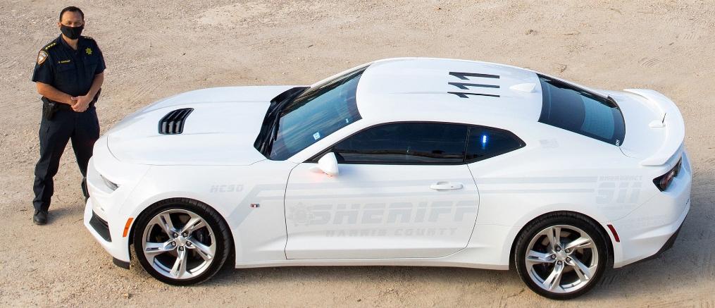 Một trong số 5 chiếc Chevrolet Camaro ma của cảnh sát hạt Harris. Ảnh: LaicApollo