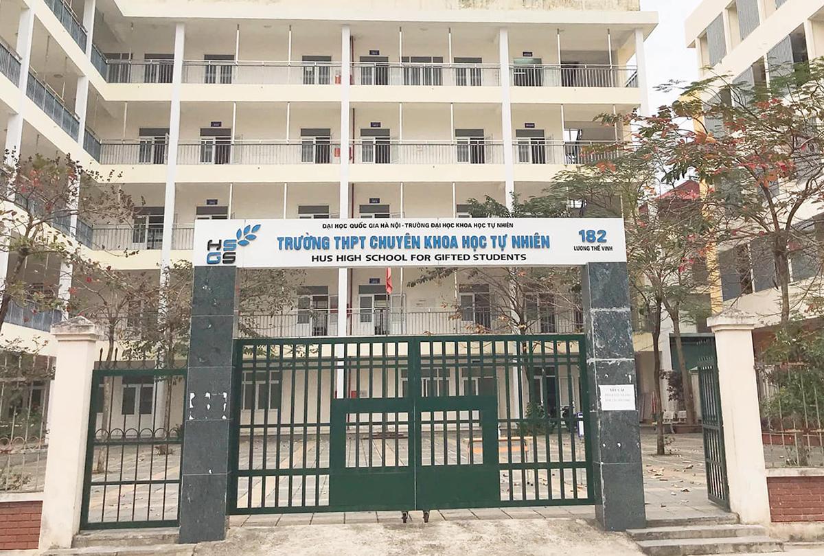 Trường THPT chuyên Khoa học Tự nhiên trực thuộc Đại học Khoa học Tự nhiên, Đại học Quốc gia Hà Nội. Ảnh: Fanpage trường.