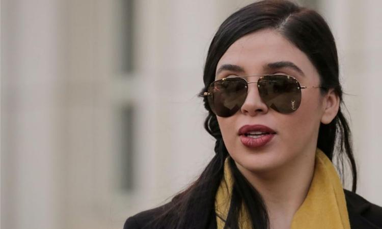 Emma Coronel Aispuro bên ngoài phiên tòa ở Brooklyn, New York, Mỹ, hồi tháng 2/2019. Ảnh: Reuters.