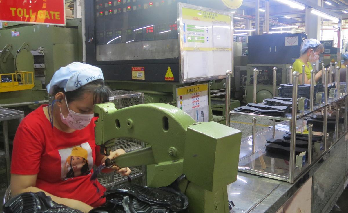 Ổ dịch ở chung cư Ehome, quận Bình Tân ghi nhận một công nhân tại Công ty TNHH Pouyuen Việt Nam, nơi có hơn 56.000 lao động. Ảnh: Lê Tuyết.