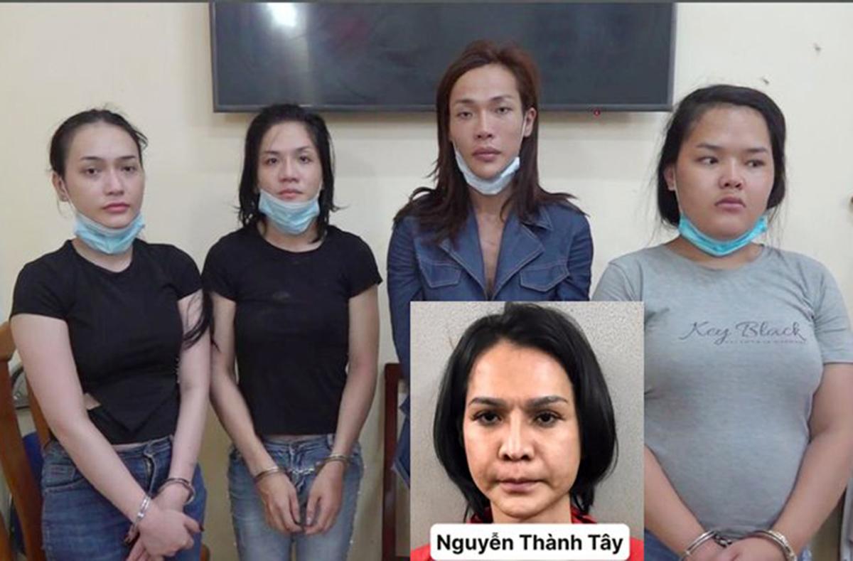 5 thành viên trong băng trộm giả gái. Ảnh: Nhật Vy