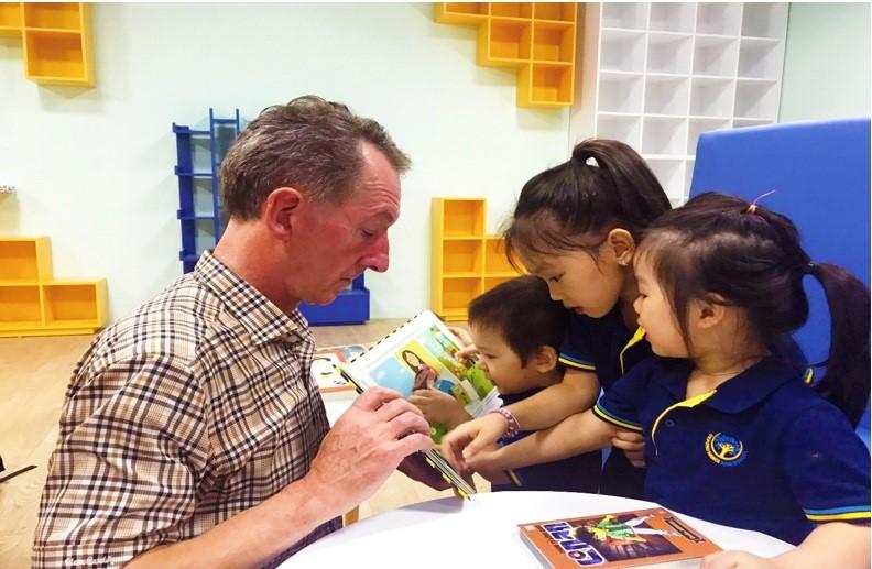 Chương trình giáo dục của OHS hướng đến mục tiêu giúp các em học sinh phát triển toàn diện, hài hoà đức, trí, thể, mỹ.