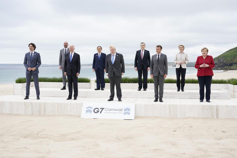 Các lãnh đạo G7 chụp ảnh tập thể trong phiên khai mạc hội nghị G7 ở Cornwall, Anh hôm 11/6. Ảnh: AP.