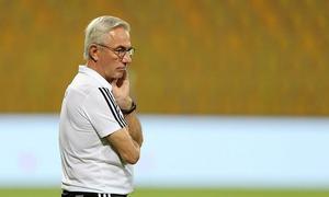 Van Marwijk: 'Trận đấu với Việt Nam sẽ khó khăn'