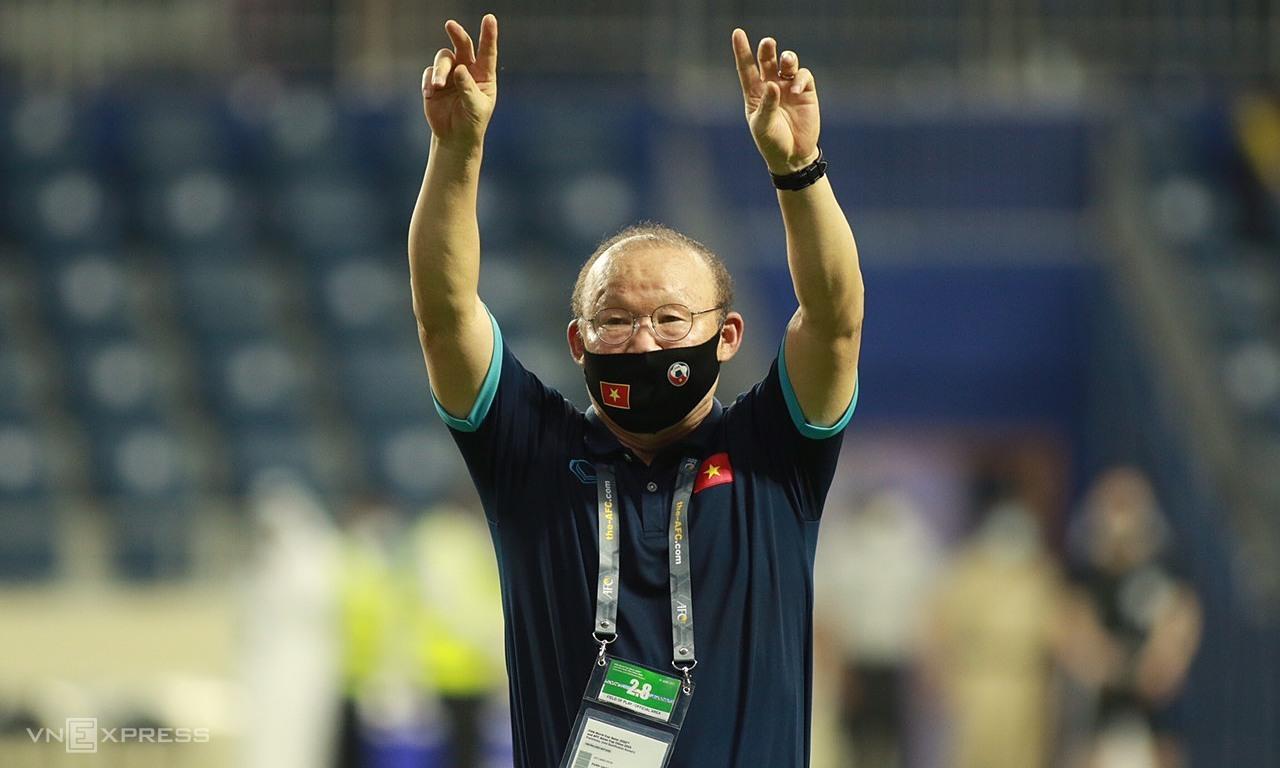 """ครูและนักเรียนของ Park มีโอกาสที่จะทำลายสถิติอันดับ FIFA ของเวียดนามหากพวกเขาชนะ UAE ในรอบสุดท้ายของรอบคัดเลือกรอบที่สองของฟุตบอลโลก 2022 ในเอเชียในตอนเย็นของวันที่ 15 มิถุนายน  ภาพถ่าย: """"Lam Thua ."""""""