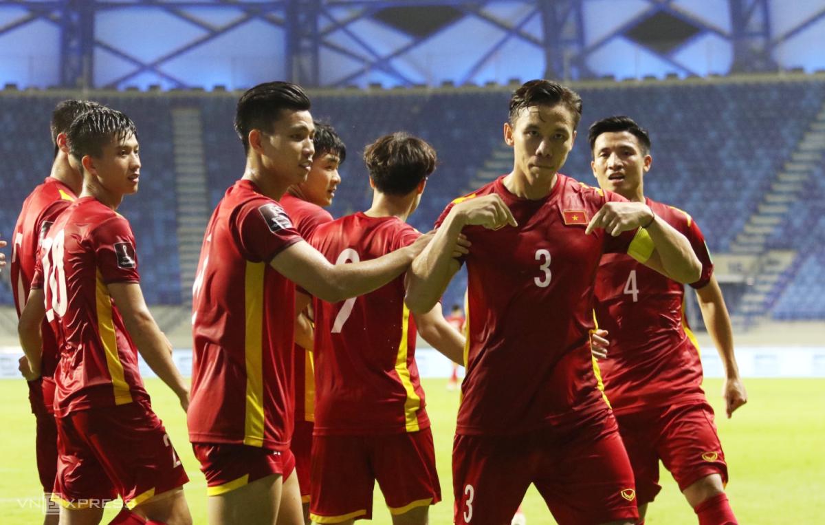 Quế Ngọc Hải mừng bàn ấn định chiến thắng 2-1 cho Việt Nam trước Malaysia. Ảnh: Lâm Thoả.
