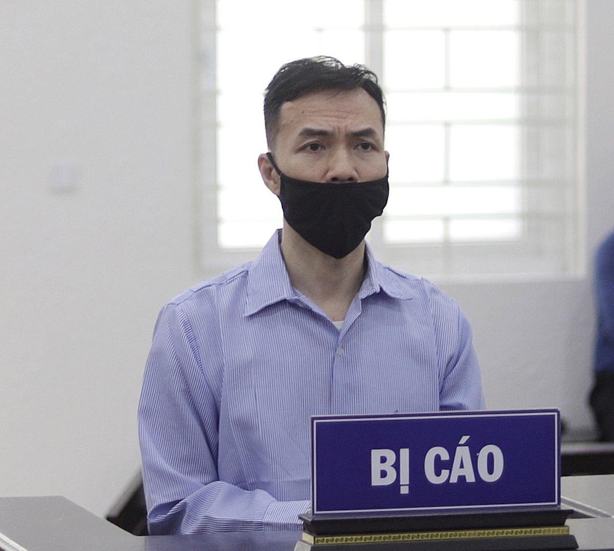 Bị cáo Lê Tuấn tại phiên toà sáng 14/6. Ảnh: Danh Lam