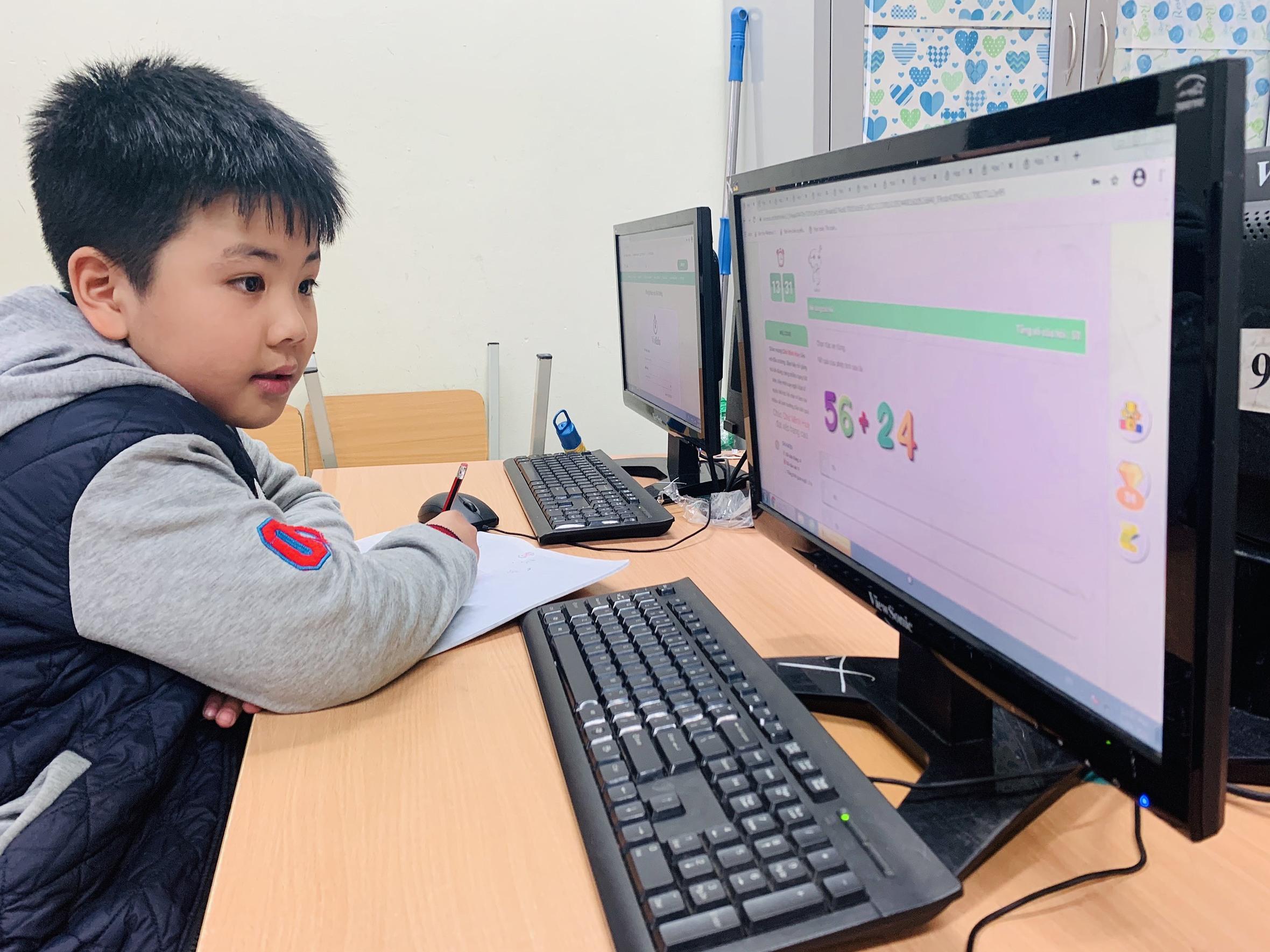 Các em học sinh tham dự Đấu trường Toán học VioEdu bước vào vòng Tự luyện từ 11/6.
