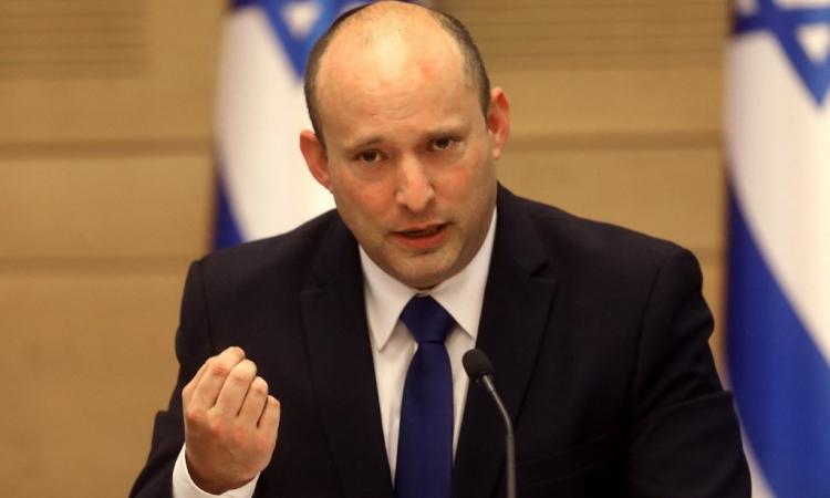 Tân Thủ tướng Israel Naftali Bennett phát biểu trước quốc hội hôm 13/6. Ảnh: AFP.