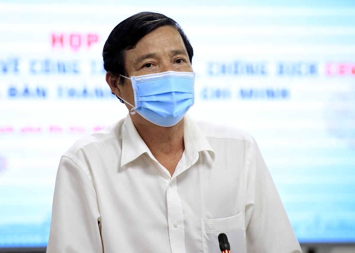 Phó giám đốc Sở Y tế Nguyễn Hữu Hưng phát biểu tại buổi họp báo. Ảnh: Hữu Công.