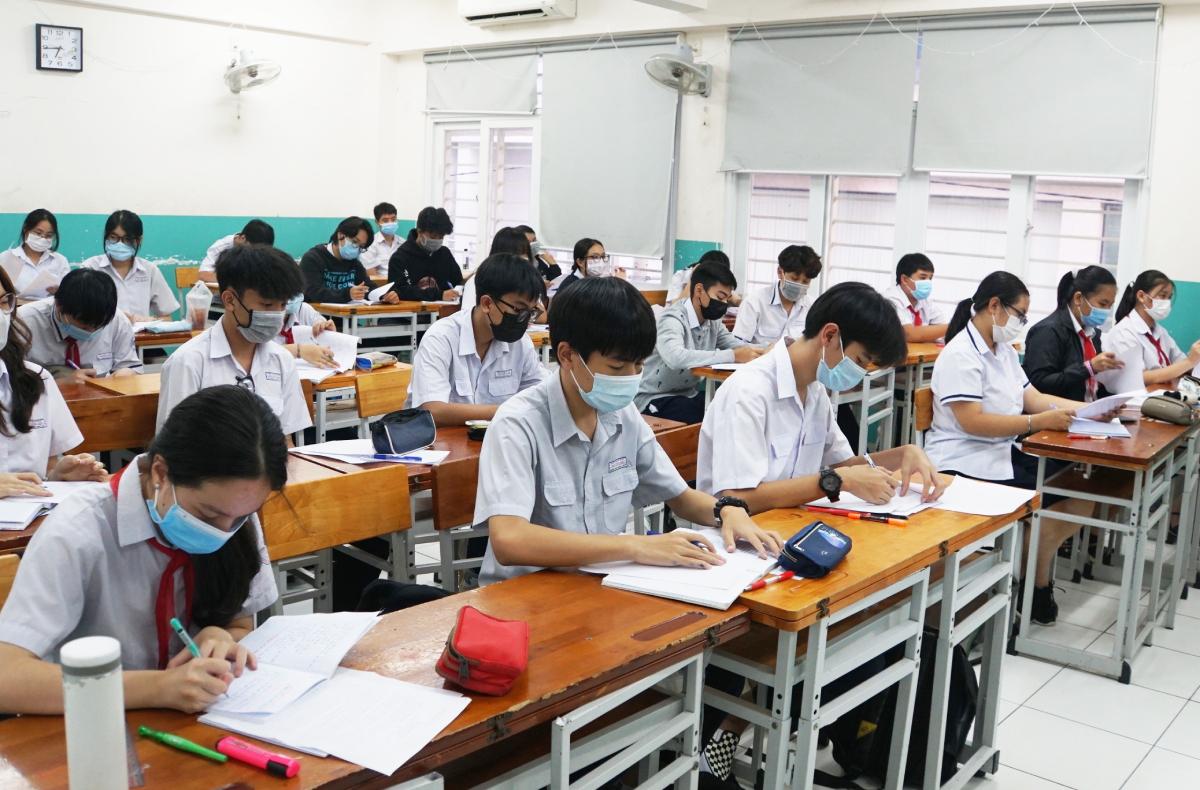 'TP HCM cần kịch bản xét tuyển lớp 10'
