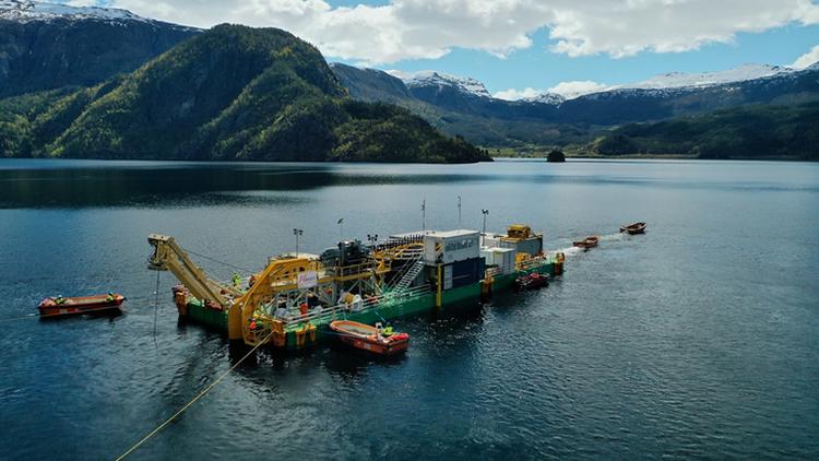 Việc lắp đặt cáp ngầm vượt Biển Bắc gặp rất nhiều thách thức. Ảnh: T&D World.