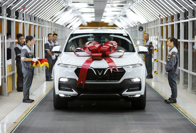 VinFast bàn giao Lux tại nhà máy ở Hải Phòng tháng 7/2019.