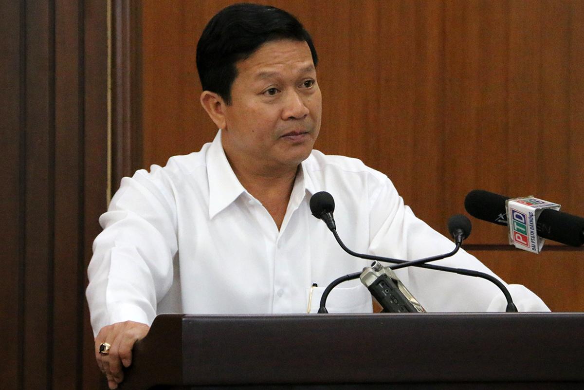 Chánh án TAND Đăk Nông Lê Đức Thọ tại buổi họp báo ngày 17/6. Ảnh: Ngọc Oanh.