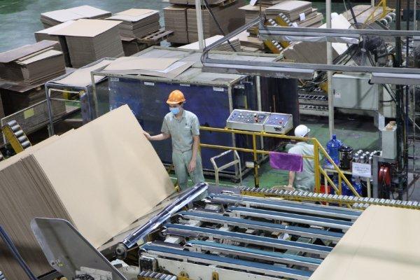 Công nhân làm việc trong nhà máy ở Bắc Ninh. Ảnh: CTV