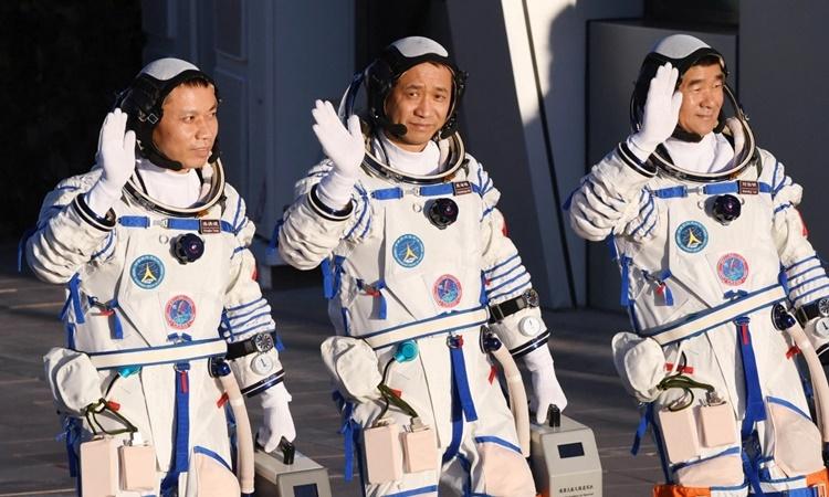Trung Quốc chưa thể bắt kịp Mỹ trên đường đua không gian