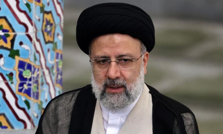 Ebrahim Raisi trong một cuộc họp báo ở thủ đô Tehran hôm 18/6. Ảnh: AFP.