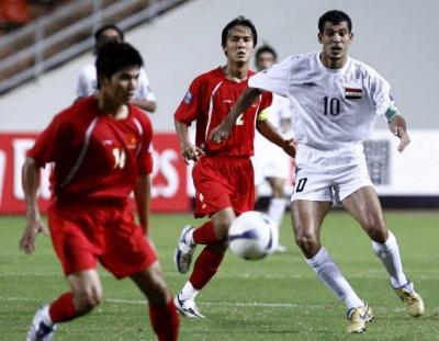 Tuyển Việt Nam trong trận thua Iraq 0-2 ở tứ kết Asian Cup 2007. Ảnh: EPA