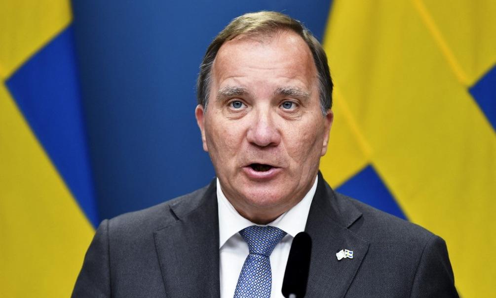 Thủ tướng Lofven họp báo sau cuộc bỏ phiếu ngày 21/6. Ảnh: AFP.