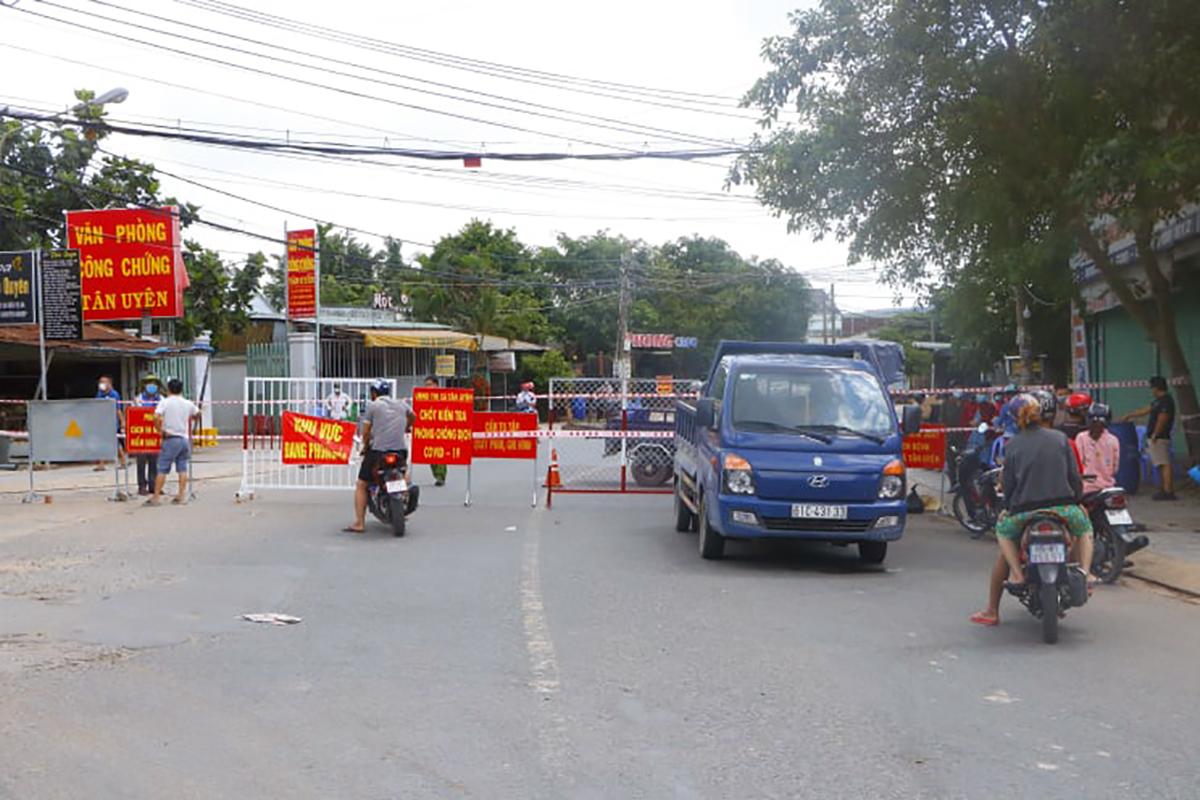 Phường Tân Phước Khánh, TX Tân Uyên bị phong tỏa từ 0h ngày 20/6. Ảnh: Yên Khánh