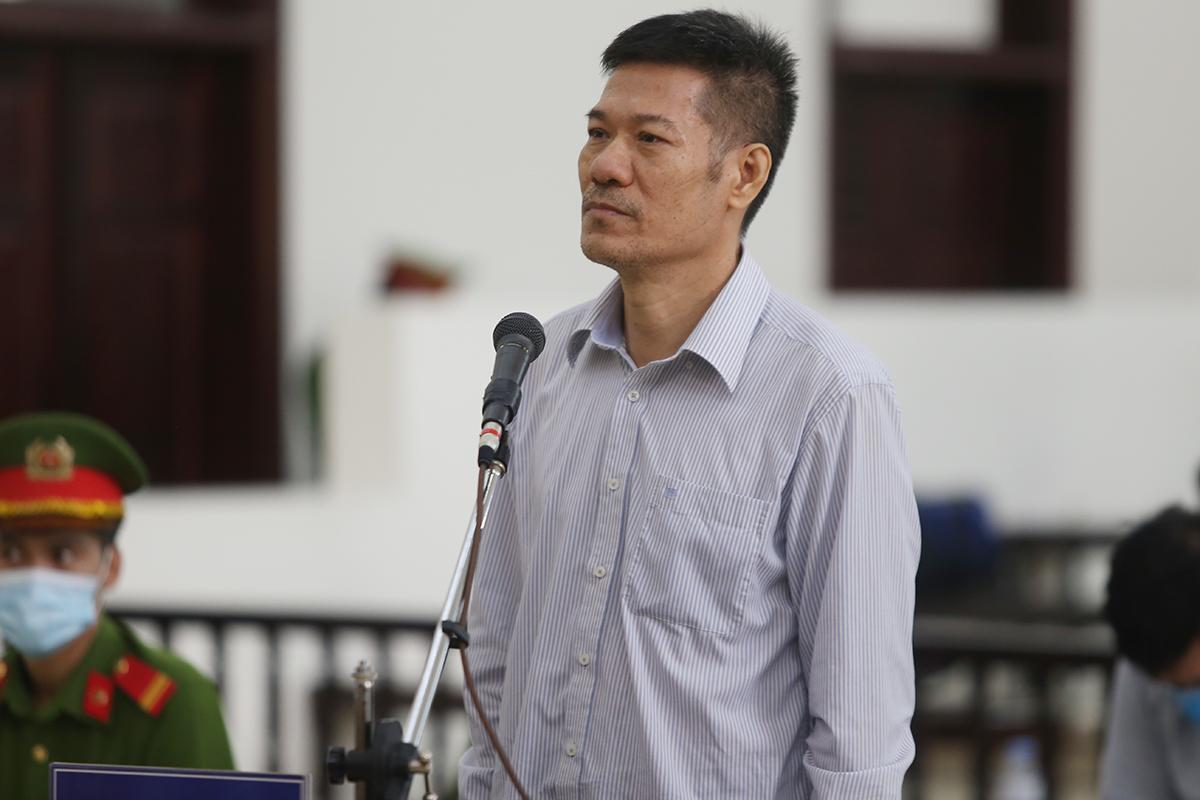 Bị cáo Nguyễn Nhật Cảm tại toà sáng 24/6. Ảnh: Phạm Dự.