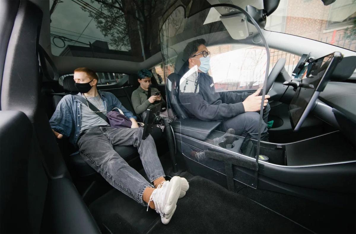 Xe Tesla Model Y của Revel đã được sửa lại để phù hợp hơn với việc chuyên chở hành khách. Ảnh: Revel