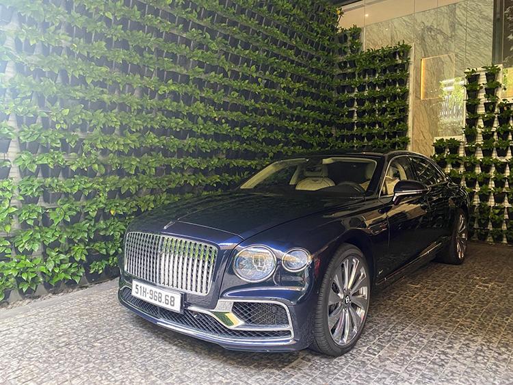 Bentley Flying Spur V8 First Edition của một đại gia ngành bất động sản.