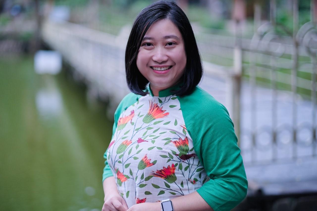 Cô Đinh Thu Hồng đang dạy tiểu học tại Mỹ. Ảnh: Nhân vật cung cấp.