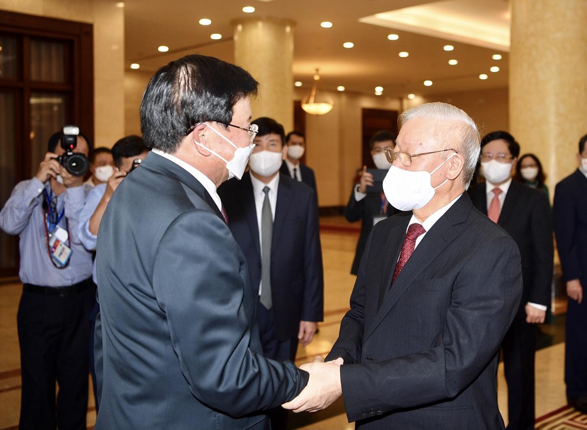Tổng Bí thư Nguyễn Phú Trọng và Tổng Bí thư, Chủ tịch nước Lào Thongloun Sisoulith. Ảnh: Nhật Bắc