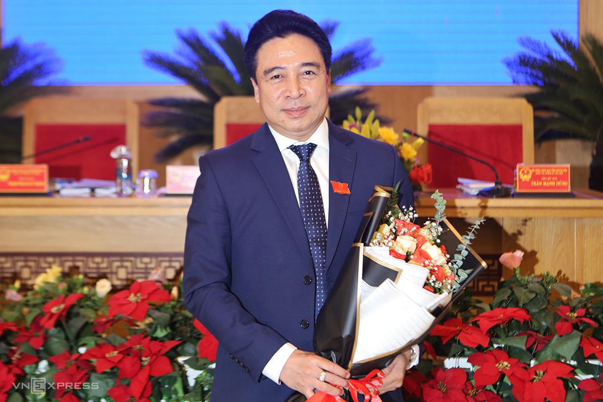 Ông Nguyễn Khắc Toàn sau khi được bầu giữ chức Chủ tịch HĐND tỉnh Khánh Hòa, ngày 29/6. Ảnh: Xuân Ngọc.