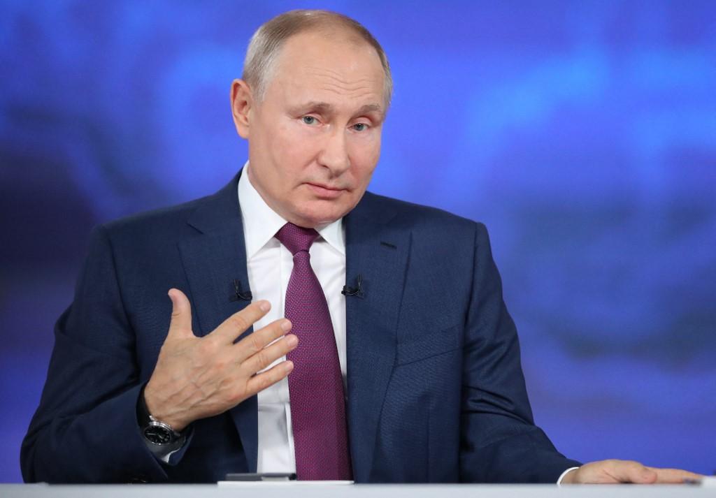 Tổng thống Nga Putin trả lời trực tuyến người dân hôm nay. Ảnh: AFP.