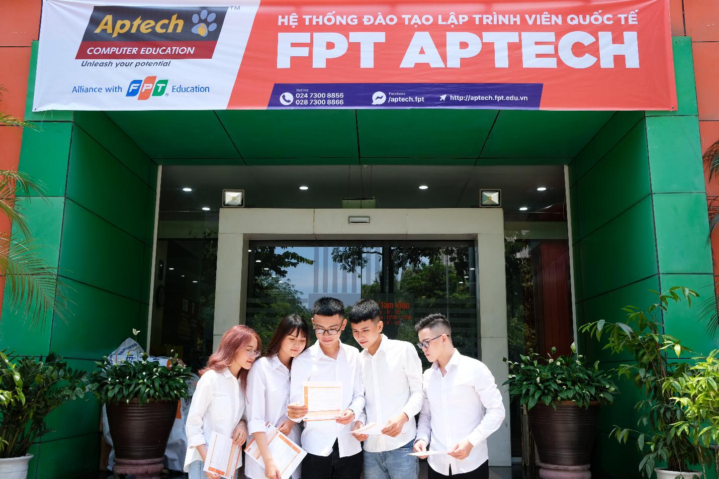Nhiều học sinh ứng tuyển sớm vào FPT Aptech.