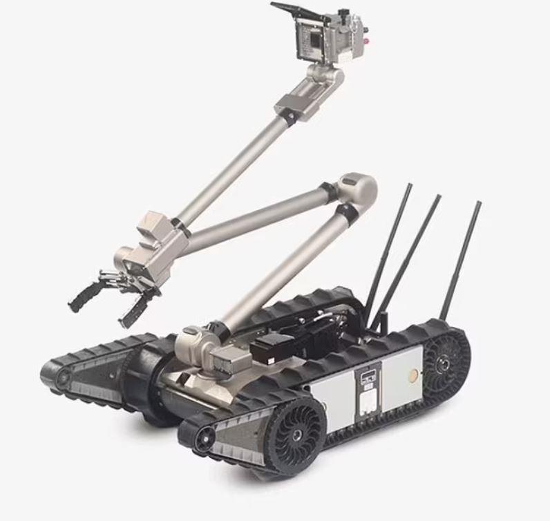 Robot PackBot 510 trang bị cánh tay nhấc vật nặng. Ảnh: Teledyne Flir.