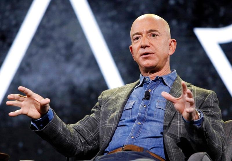 Tỷ phú Jeff Bezos. Ảnh: AP.