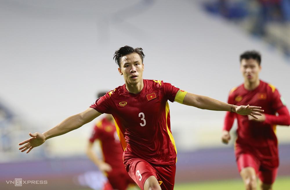 Nếu được đá sân nhà, tuyển Việt Nam có thể tận dụng lợi thế về sân bãi, CĐV, thời tiết và tâm lý cầu thủ để tìm kiếm chiến thắng ở vòng loại thứ ba World Cup 2022 - khu vực châu Á. Ảnh: Lâm Thoả