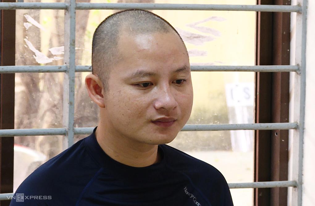 Lê Thái Phong tại Công an thị xã Phú Mỹ. Ảnh: Quang Bình.