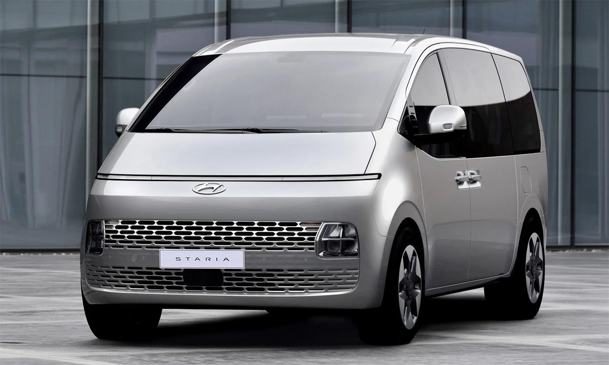 Staria phiên bản tiêu chuẩn với lưới tản nhiệt cùng màu thân xe, đèn pha nhỏ hơn. Ảnh: Hyundai