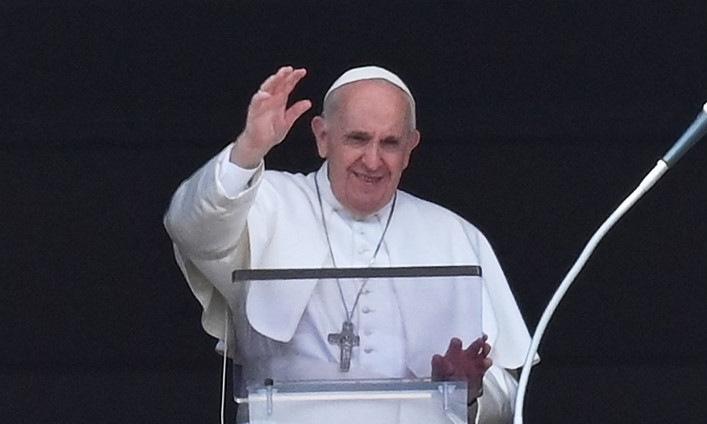 Giáo hoàng Francis làm lễ vài tiếng trước khi nhập viện chiều 4/7. Ảnh: AFP.