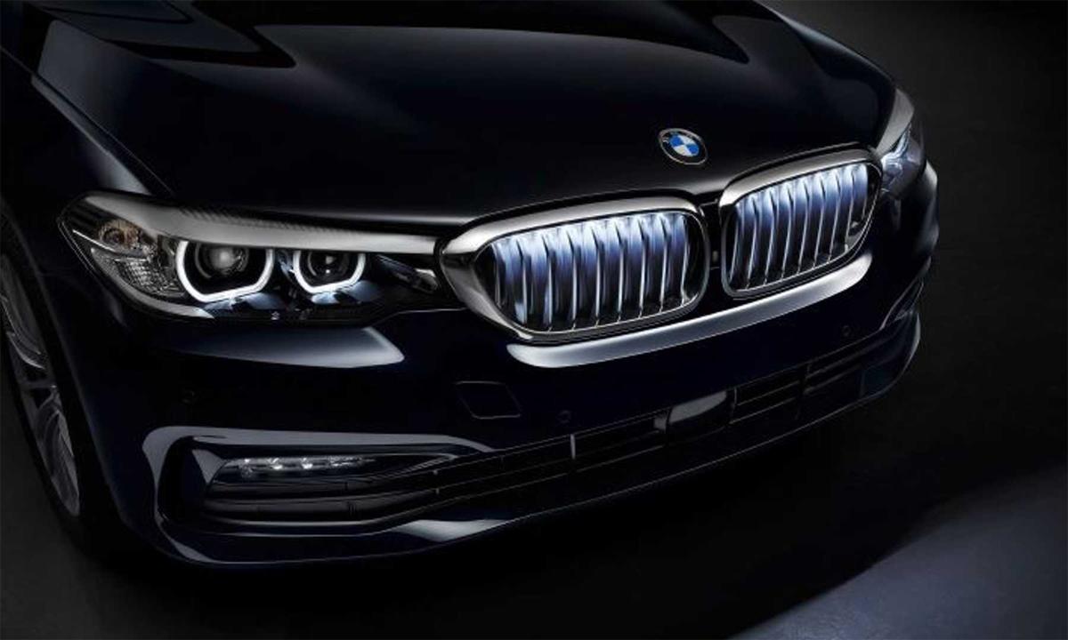 BMW series 5 với lưới tản nhiệt phát sáng. Ảnh: BMW