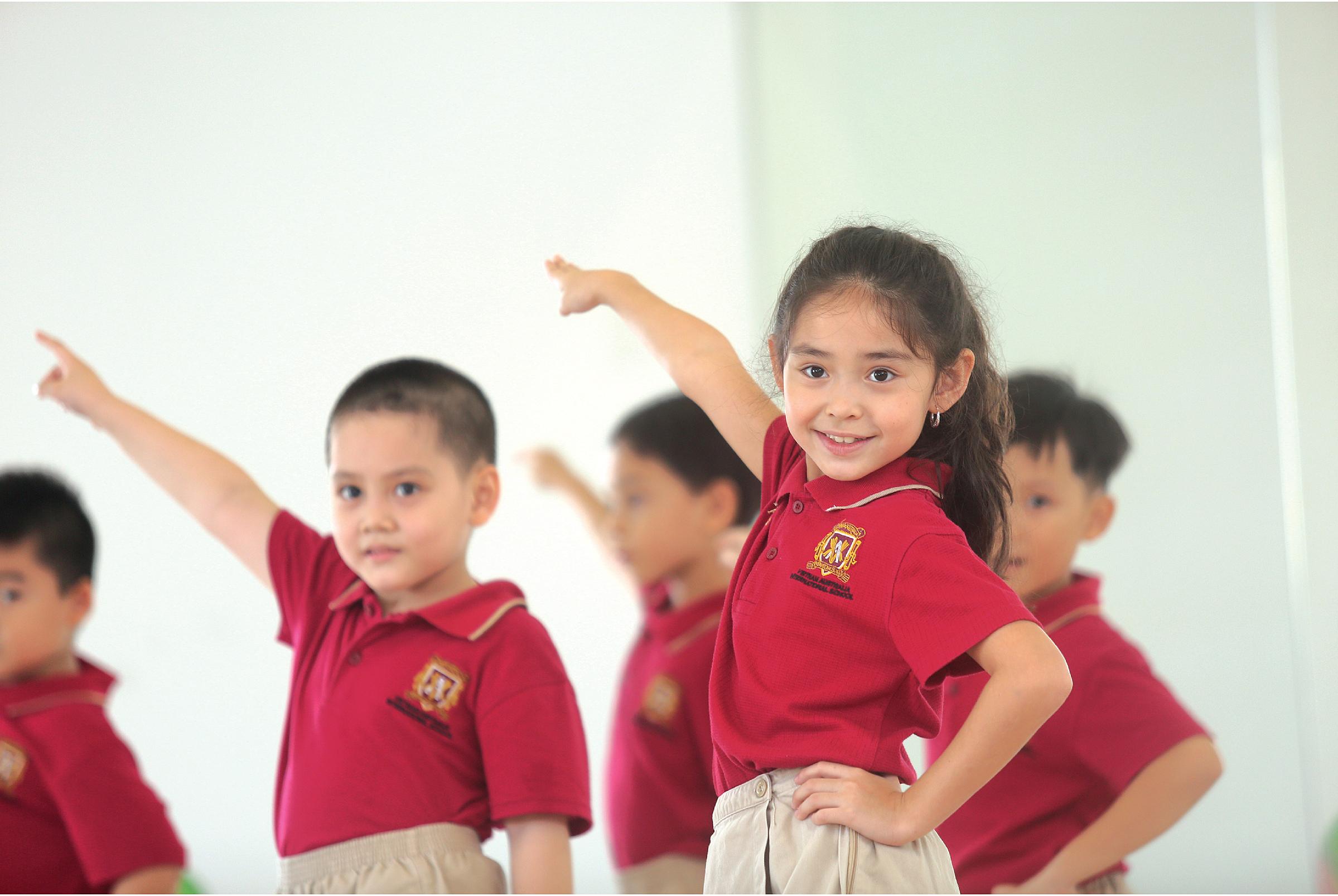 13 môn học miễn phí thú vị về thể thao, nhảy múa, nấu ăn, nghệ thuật...